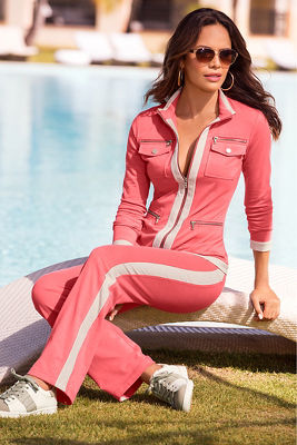 Chic zippered sport coordinates
