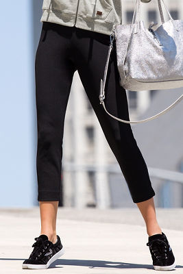 Cropped travel pant
