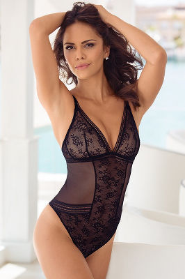 PLUNGE LACE TEDDY BODYSUIT