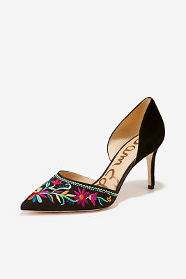 Floral embroidered pump