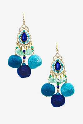 Pom-pom earrings
