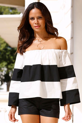 Off-the-shoulder chunky striped top