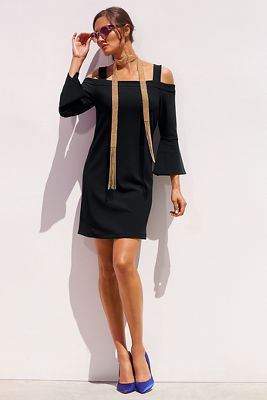 Travel cold shoulder flare-sleeve dress
