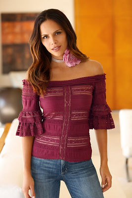 Off-the-shoudler tiered lace top
