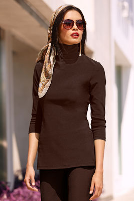 Travel turtleneck top