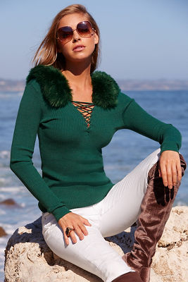 Faux-fur collar lace-up ribbed sweater