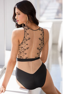 Lace sleeveless bodysuit