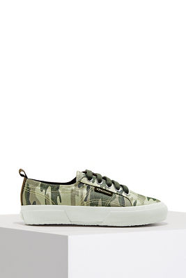Sparkle camouflage lace-up sneaker