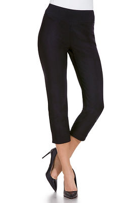 Display product reviews for Beyond travel™ crop pant