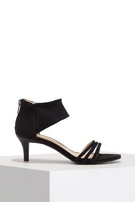 Triple strap mesh heel