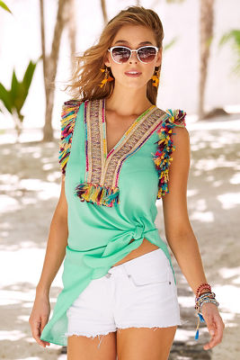 Display product reviews for Multicolor fringe knot top