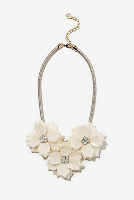 3D floral statement necklace