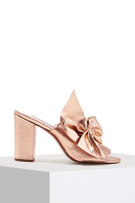 bow statement heel