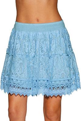 Floral lace mini skirt