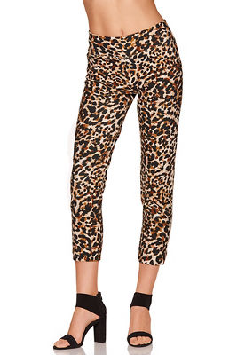beyond travel™ animal crop pant
