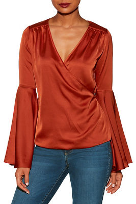 Bell sleeve surplice charm blouse