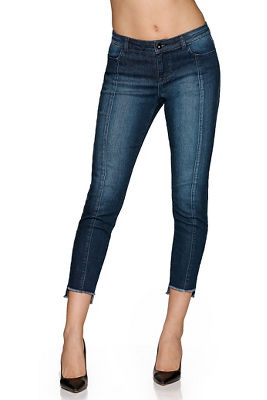 center seam frayed ankle jean
