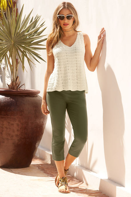Everyday side zip twill capri pant image