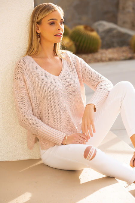 V neck ribbed cuff marled sweater image