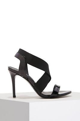 Elastic strappy heel