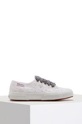 Eyelet gingham sneaker