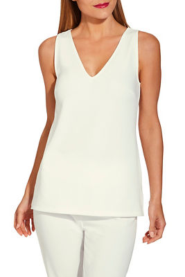 beyond travel™ v neck tank top