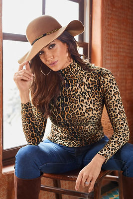 Leopard Turtleneck Long-Sleeve Top