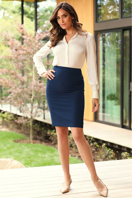 Chic Crepe Pencil Skirt